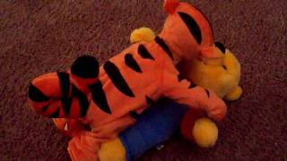 Tiger rapes Pooh...Oh NO!!