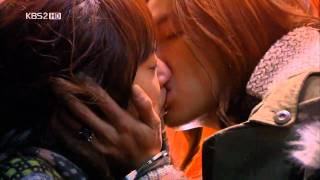 Mary stayed out all night kiss scene ep8 HD