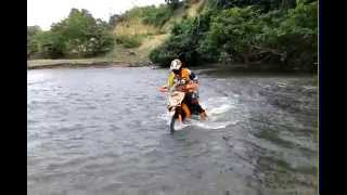 getlinkyoutube.com-Matic Trail Banda Aceh (Main air di sungai Cucum Jantho)