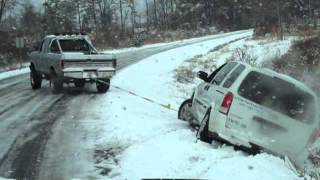 getlinkyoutube.com-79 Ford F250 pulling van out of ditch in snow