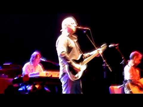Mark Knopfler Corned Beef City (new song) live (Glasgow Braehead Arena) 08/10/2011