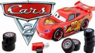 getlinkyoutube.com-Cars 2 Transforming Lightning McQueen from Disney store Buildable Toy Review by Blucollection