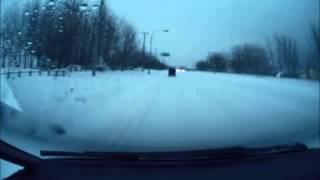 getlinkyoutube.com-圧雪アイスバーンで立ち往生