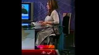 Vidéo insolite - PTV chaude waqar ancre samina au spectacle..... doit regarder