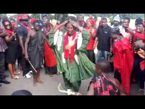 Kwaku Bonsam dances for President Mills