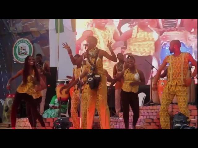 Olo Omidan Bata at the Nigeria Drums Festival