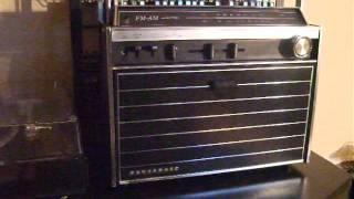 getlinkyoutube.com-Panasonic SG 515  1966 early boombox radio with Turntable