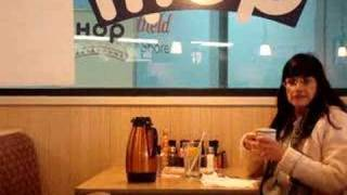 getlinkyoutube.com-crazy lady @ ihop