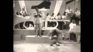 getlinkyoutube.com-Count Basie - Basie Boogie