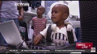 getlinkyoutube.com-2-year-old DJ AJ is a viral phenomenon