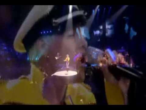 Pink - Bohemian Rhapsody (Queen cover) - Live in australia 2009