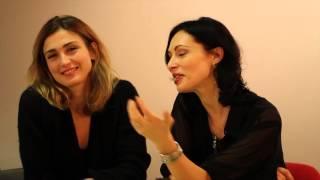 getlinkyoutube.com-Interview de Julie Gayet et Géraldine Maillet.mp4