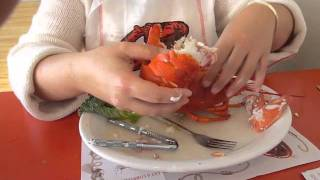 getlinkyoutube.com-How to Eat A Lobster