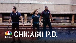 Chicago PD - Halstead's Epic Foot Chase (Episode Highlight)