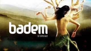 Badem – Varsin Yoksun şarkısı dinle
