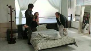 getlinkyoutube.com-Yoonsung Carries Nana to His House && Tucks Her In HIS BED (CITY HUNTER EP. 12)