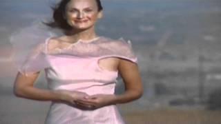 getlinkyoutube.com-high winds blowing dress