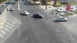تقاطع و تصادف موتور با پراید