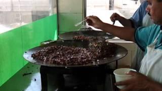 getlinkyoutube.com-طبخ الكبده في مطعم الخير الرياض( مختار الحبهي)
