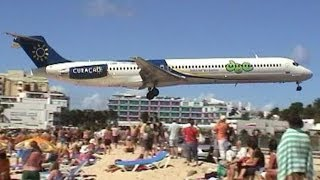 getlinkyoutube.com-Amazing Plane landing and take-off footage at Maho Beach St Maarten