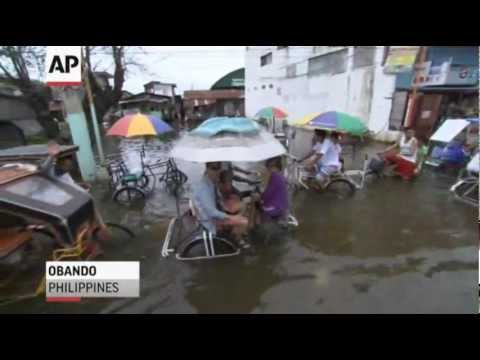 Raw Video: Typhoon Floods Philippines, Kills 7