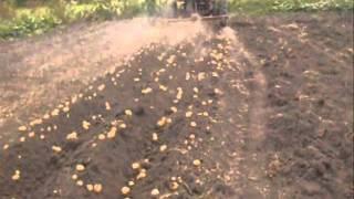getlinkyoutube.com-копка.картофеля окучниками