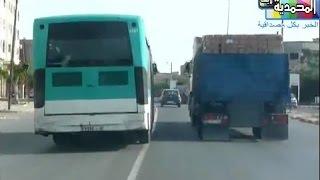 getlinkyoutube.com-شداتك الكاميرا : للمرة التانية حافلة نقل المدينة تسير بسرعة جنونية بعين حرودة