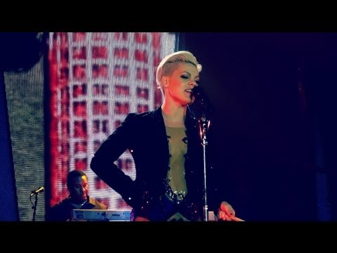 P!NK - TROUBLE - THE TRUTH ABOUT LOVE TOUR - MUNICH GERMANY  MAY 19