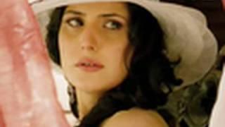 getlinkyoutube.com-Zarine Khan is gorgeous yet sultry   Veer