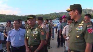 getlinkyoutube.com-Panglima TNI Kunjungi Balai Budidaya Ikan di Ambon dan Yonif 733/Raider