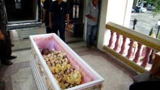 getlinkyoutube.com-พิธีการล้างหน้าศพ