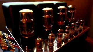 getlinkyoutube.com-McIntosh Mc275 amp, C22 60th Anniversary preamp, & Mr88 tuner overview.