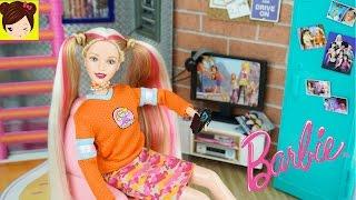 getlinkyoutube.com-Barbie Adolescente con Habitacion Estilo Skater - Decoracion de Cuarto Juguetes de Titi