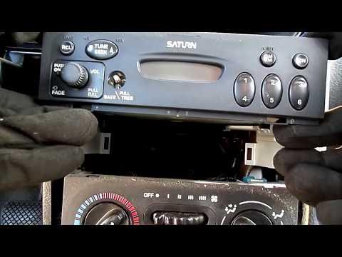 2000- 02 Saturn S- series Radio Removal