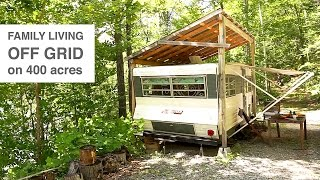 getlinkyoutube.com-Family Living Off Grid in Camper Trailer & Tree House Style Studio