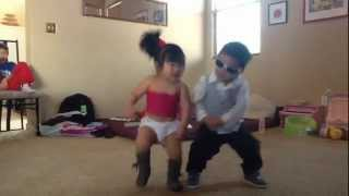 getlinkyoutube.com-Gangnam style - little psy and  sexy baby