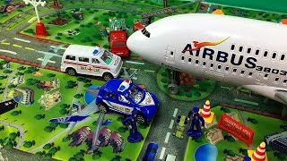 getlinkyoutube.com-International Toy Airplane Playset Internacional de Brinquedos Avião Playset