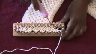 getlinkyoutube.com-CRISS CROSS STITCH (Loom Knitting)