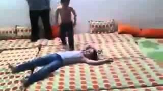 getlinkyoutube.com-تقليد مصارعه ....ابداع اطفال