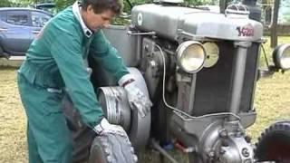 getlinkyoutube.com-Avviamento trattore Landini a testa calda.wmv