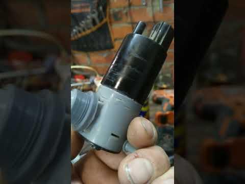 Владельцем Ford Fiesta неработающий насос стеклоомывателя ремонт