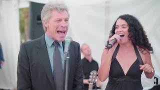 getlinkyoutube.com-Jon Bon Jovi sorprende y canta en boda
