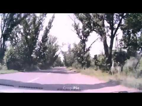 Российский ЗРК «Бук», сбивший МН17, движется через Макеевку.