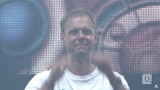 Armin van Buuren and crowd get emotional with RAMsterdam (Jorn van Deynhoven Remix)