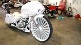 getlinkyoutube.com-30 inch floater on white and chrome Harley Davidson Motorcycle