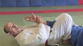 getlinkyoutube.com-How To Do Judo Submission Holds