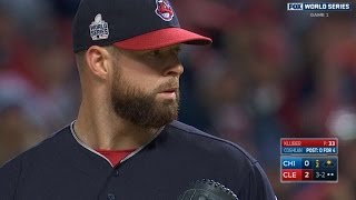 getlinkyoutube.com-10/25/16: Kluber, Perez lead Indians to Game 1 win
