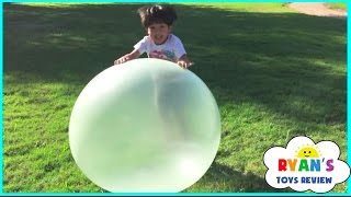 getlinkyoutube.com-WUBBLE BUBBLE BALL Complications! Fun Activity for kids Bubble Machine Playtime Kids Toys