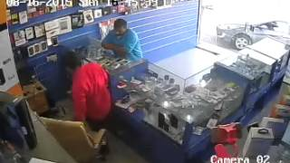 getlinkyoutube.com-saudi mobile thief in talha shop