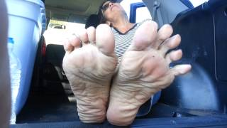 getlinkyoutube.com-Smelly mature feet pov tease